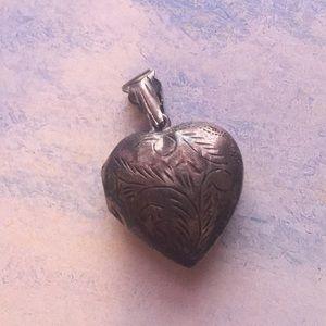 Vintage Sterling Silver Heart ❤️ Locket